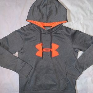 Under Armour Tops - Under Armour pull over hoodie